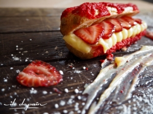 Strawberry éclair; choux pastry, vanilla mousseline cream, fresh strawberries